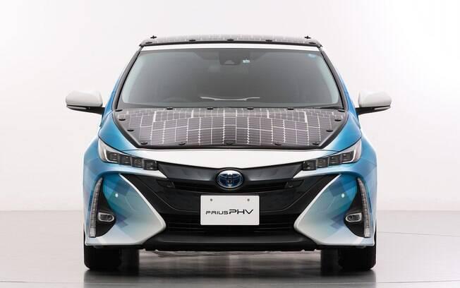 Em parceria, Toyota desenvolve carro movido a energia solar.