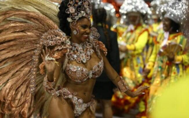 A Unidos de Vila Maria foi a quarta escola a desfilar no primeiro dia de carnaval em São Paulo