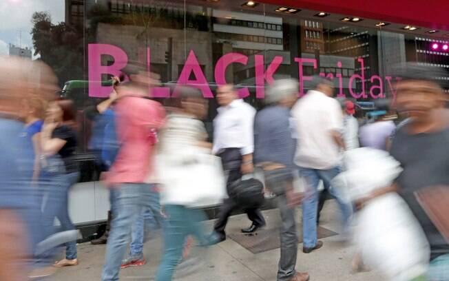 Faça uma pesquisa antecipada dos preços, assim será mais fácil de identificar as promoções pouco vantajosas da Black Friday