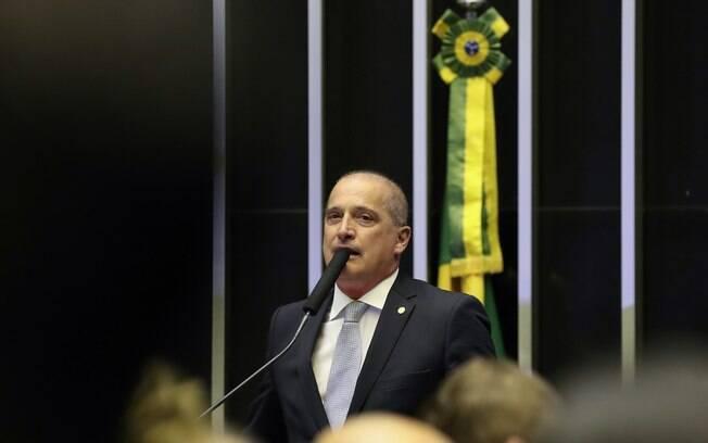 Ministro Onyx Lorenzoni defende decreto das armas diante dos parlamentares da CCJ da Câmara