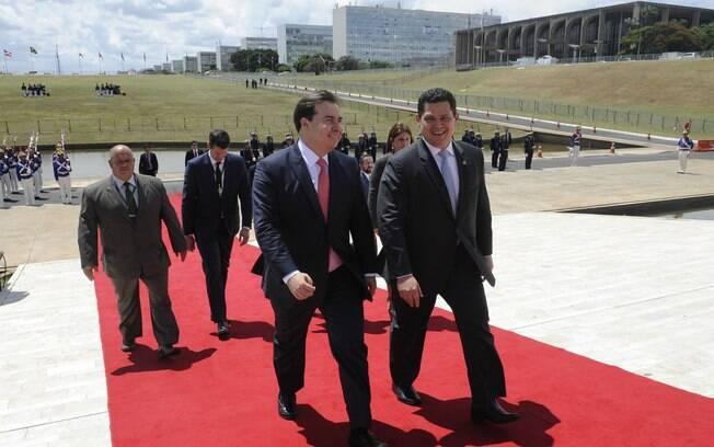 Presidentes da Câmara, Rodrigo Maio, e do Senado, Davi Alcolumbre, chegam ao Congresso para o início do ano legislativo
