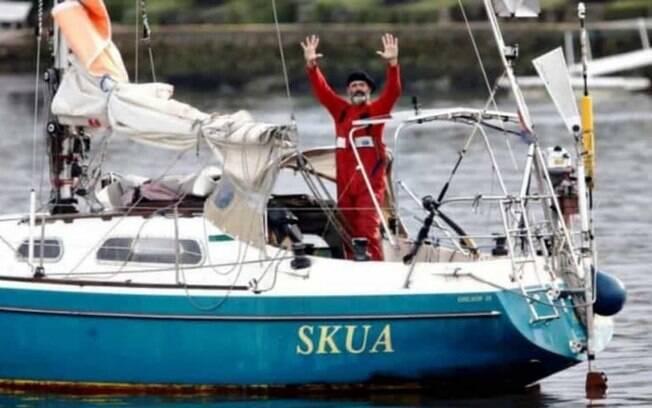 Juan Manuel reencontra o pai na Argentina após atravessar de barco o Atlântico