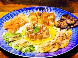 Akemi: de peixes, cogumelos ou vegetais, há mais 30 opções de robatas (espetinhos japoneses)