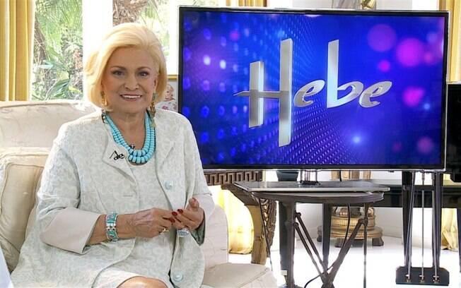Em casa, Hebe Camargo grava chamadas de seu programa