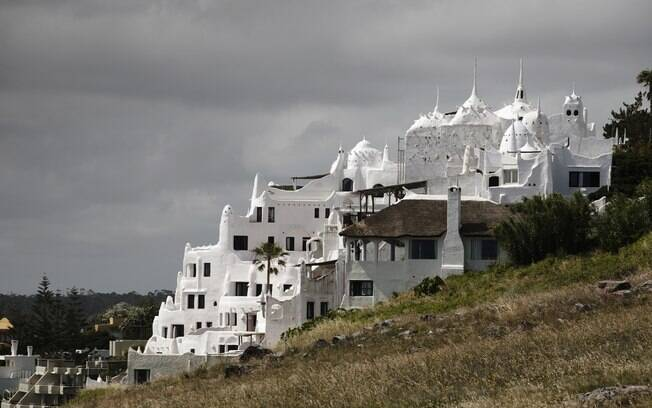 Casapueblo engloba vila de casas e galeria de arte