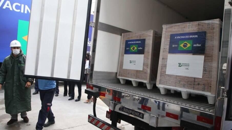 CoronaVac: Butantan entrega mais 1,5 milhão de doses ao Ministério da Saúde
