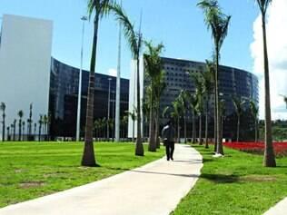 Irregulares?  Ação no STF questiona situação de 20% dos 547 mil servidores públicos de Minas Gerais efetivados sem concurso público
