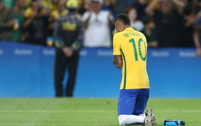 Pai de Neymar revelou nervosismo do craque antes de bater pênalti decisivo nos Jogos Olímpicos