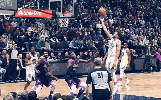 Franquia da Califórnia conseguiu mais uma vitória na rodada da NBA desta terça-feira
