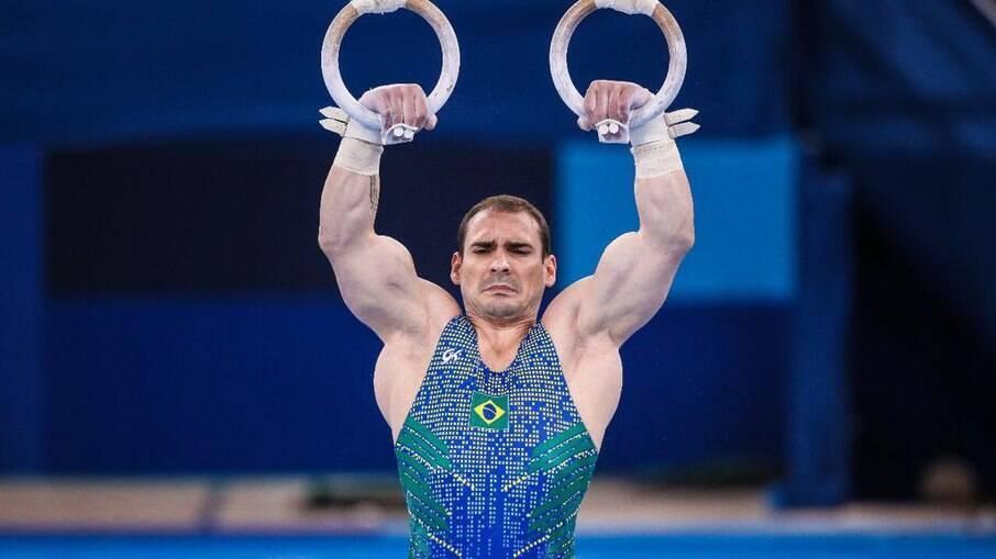 Arthur Zanetti erra nas argolas e fica sem medalha em Tóquio