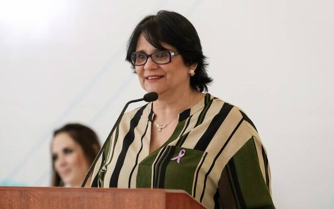 Ministra da Mulher, da Famíçia e dos Direitos Humanos, Damares Alves