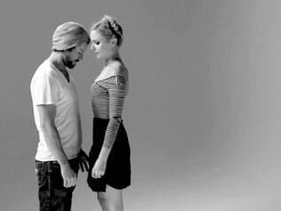 'First Kiss'. Vídeo de estranhos se beijando conquistou quase nove milhões de visualizações no YouTube em menos de 24 horas
