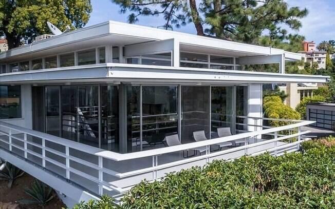 A atriz e cantora Kelly Osbourne comprou a mansão da atriz Rooney Mara, em Los Angeles, por R$ 12,9 milhões