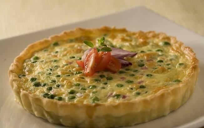 Foto da receita Torta de queijo com presunto de peru pronta.