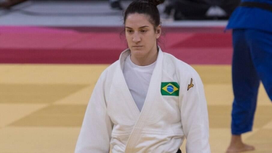 Mayra Aguiar caiu nas quartas de final e agora segue para repescagem