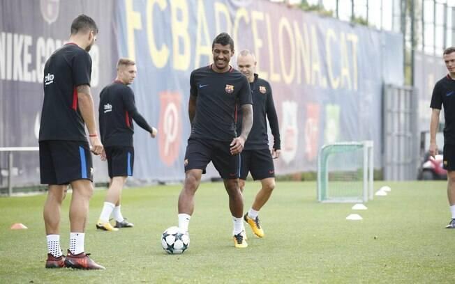 Paulinho durante treino no Barcelona: dos questionamentos no início à ótima fase após poucos jogos