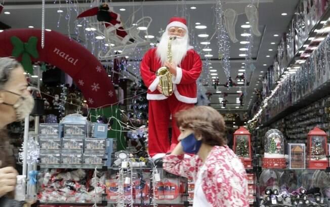 Lojistas e clientes esperam Natal magro na pandemia