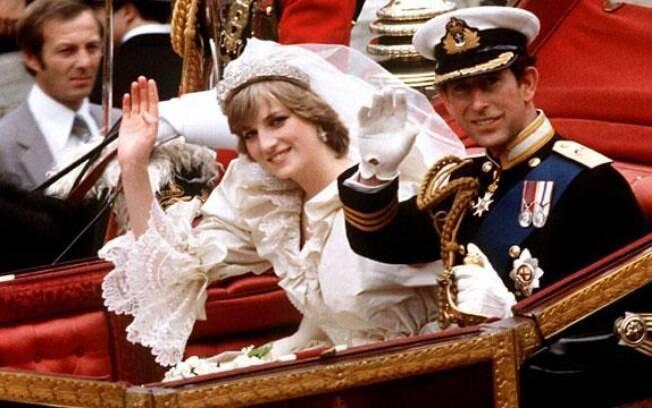 O casamento entre de Charles, Príncipe de Gales e Diana Spencer foi um evento britânico de proporções mundiais