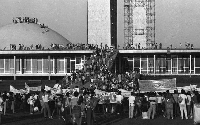 Movimento civil Diretas Já está no livro com os fatos que marcaram o Brasil