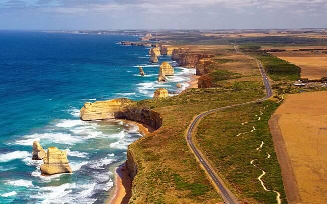 A Great Ocean Road é um prato cheio para quem quer conhecer as belas praias da Austrália.