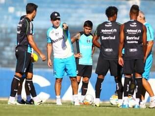 Enderson Moreira busca terceira vitória gremista na fase de grupos da Copa Libertadores