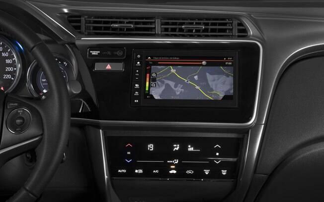 Central multimídia que pode ser instalada na dupla Honda Fit/City deverá mudar na nova geração dos compactos