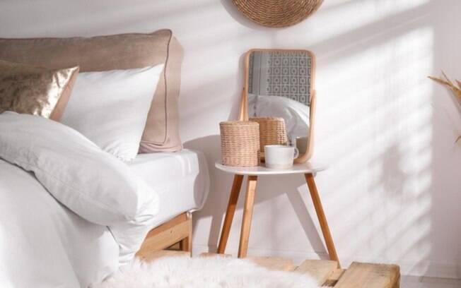 Mesa de cabeceira: 7 ideias criativas para inovar na decorao do quarto