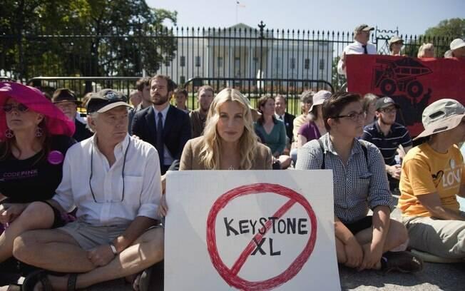 Daryl Hannah em frente à Casa Branca