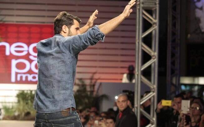 Bruno Gagliasso desfila no Mega polo Moda