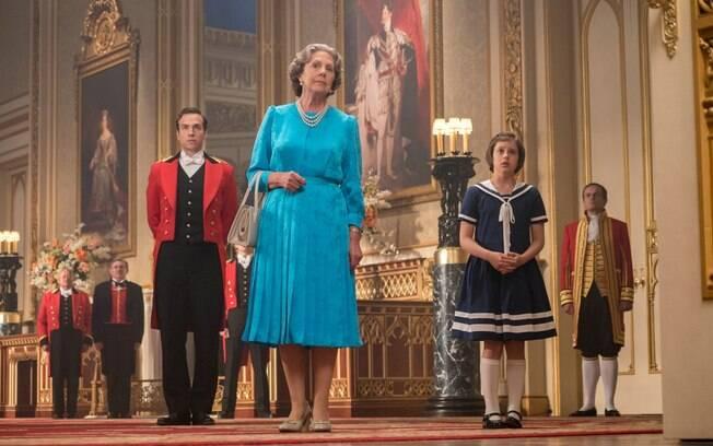 A Rainha da Inglaterra é uma das atrações do filme: humor afetado à inglesa