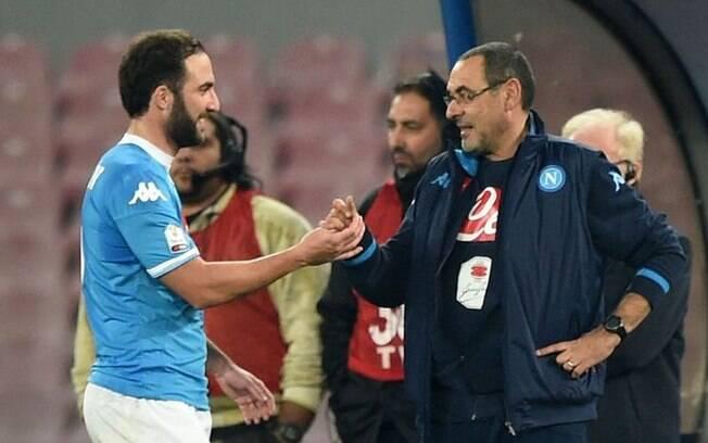 Higuaín e Maurizio Sarri reeditarão parceria que deu muito certo no Napoli, quando o atacante fez sua melhor temporada na carreira