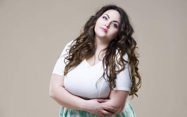 Fazer alguns tipos de comentários para uma mulher gorda pode fazê-la sentir mal sobre o próprio corpo e aparência