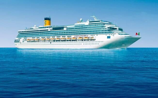 Cruzeiro Costa Pacífica deveria atracar em Marselha, na França, mas agora teve a rota desviada para Gênova, na Itália