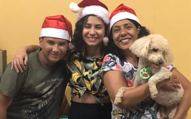 Mãe de Mariana e Alex, Márcia relata como foi enfrentar uma maternidade solo e conta a experiência com a adoção