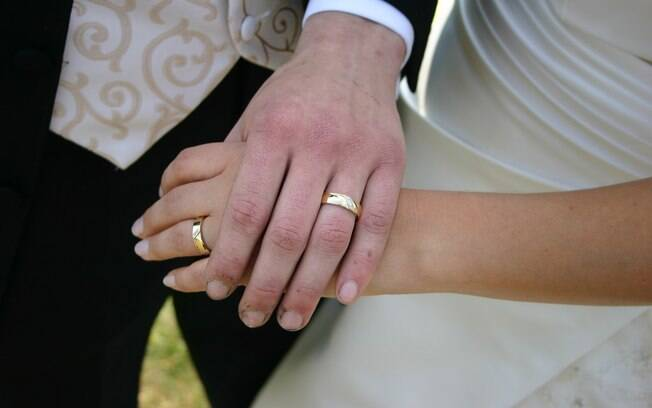 Casar é uma decisão importante e, segundo estudo, há uma idade certa para isso