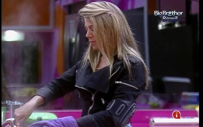Fabiana precisou falar sobre os encantos de Fael para Pedro Bial