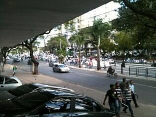 Manifestantes desceram a avenida Nossa Senhora do Carmo e tumultuaram o trânsito