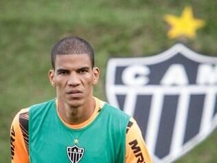 Léo Silva realizou trabalhos à parte e não participou de recreativo realizado na manhã deste sábado
