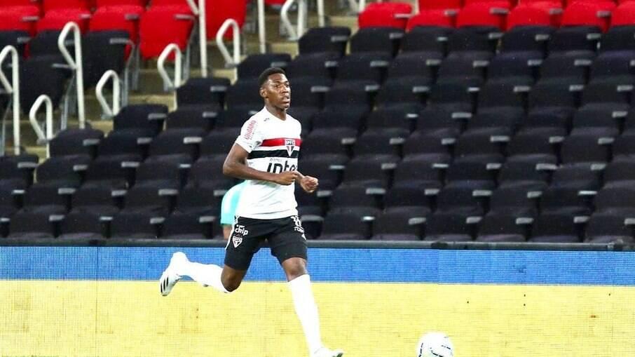 Léo Pelé testa positivo para Covid-19