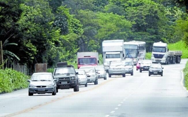 Ultrapassagem em local proibido e embriaguez ao volante são dois dos principais motivos dos acidentes em estradas registrados durante a Operação Nossa Senhora de Aparecida de Polícia Rodoviária Federal