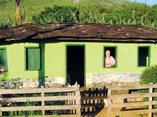 À força. Documentos históricos apontam que pelo menos 179 famílias, à época, foram retiradas de suas casas na Serra da Canastra