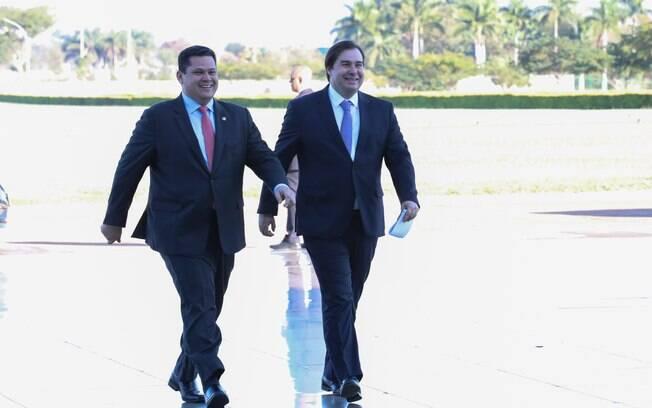 Rodrigo Maia e Davi Alcolumbre não se posicionaram publicamente após demissão de Moro