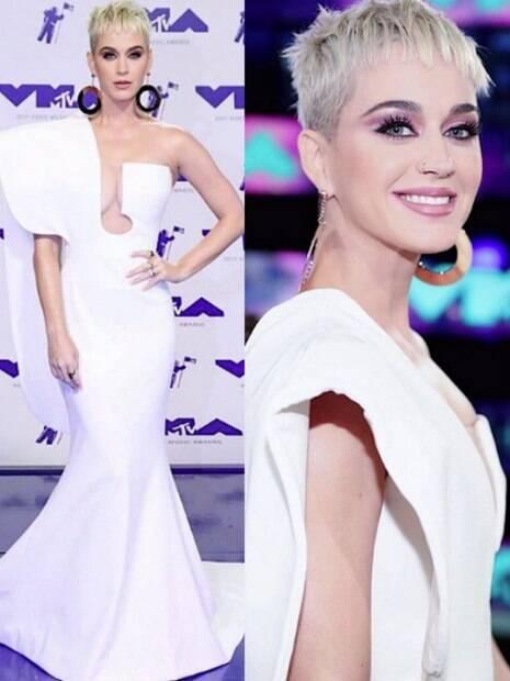 Cor rosa é principal característica da maquiagem usada por Katy Perry