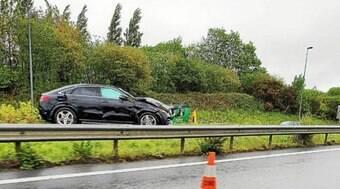 Ex-jogador do Fla capota carro na França e é encaminhado ao hospital
