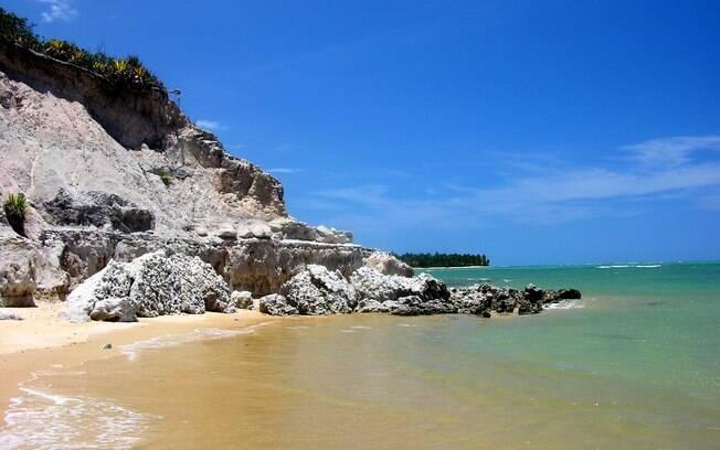 Tranquilidade e restaurantes caseiros transformam a Praia do Espelho em um dos destinos mais agradáveis da Bahia