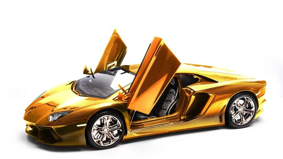 Lamborghini Aventador de ouro chegou a bater três recorde de uma vez pela preciosidade que representa
