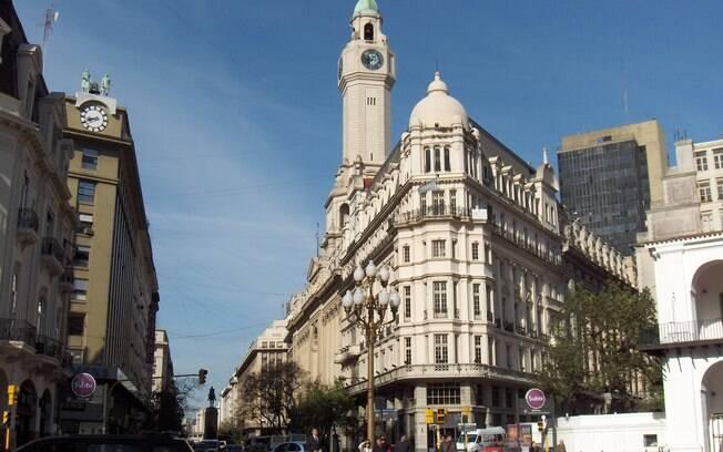 Aproveita que Buenos Aires está entre os lugares baratos para viajar e conheça seus pontos turísticos
