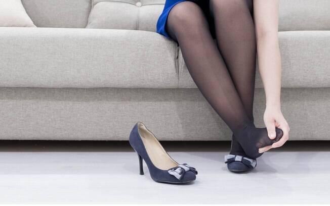 O quinto mês de gestação é o período ideal, segundo especialistas, para aposentar o salto alto e investir em sapatilhas