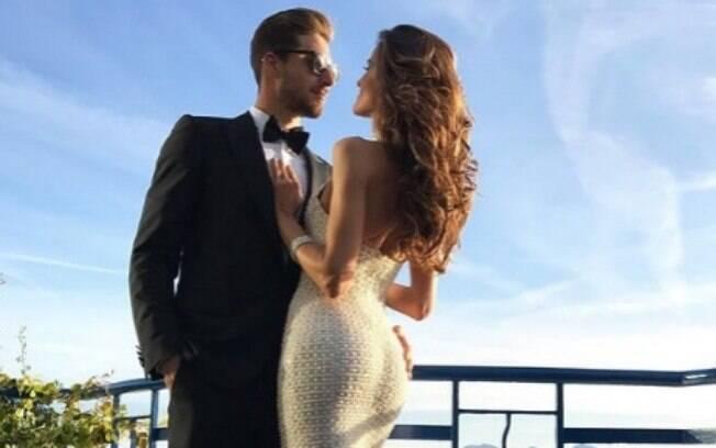 Izabel Goulart com o seu namorado e goleiro do PSG