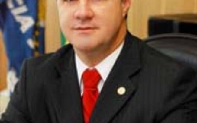 Carlos Gabas vai substituir Garibaldi Alves no Ministério da Previdência